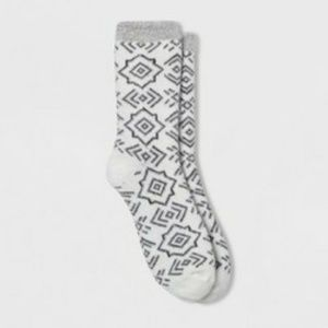 NWT Womens Feather Double Lined Cozy Crew Socks